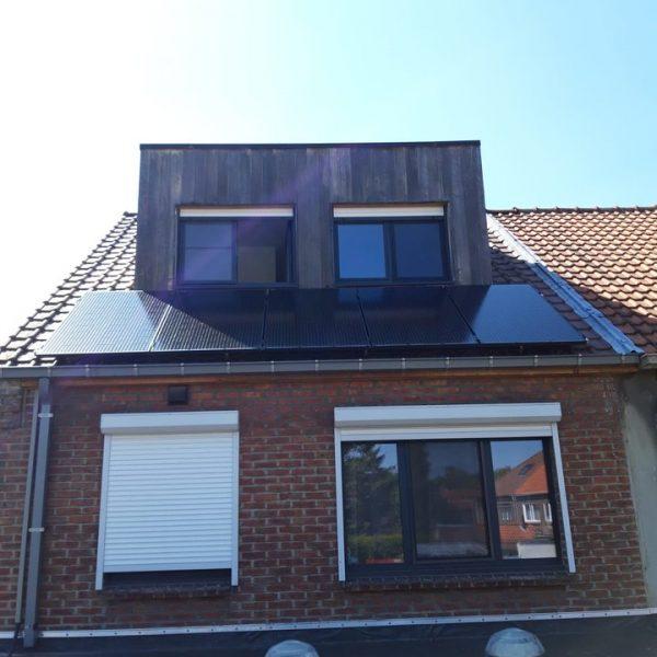 Realisatie 22 zonnepanelen Peimar 300 mono Full black met Solar Edge omvormer SE4000H+ 22 Optimizers