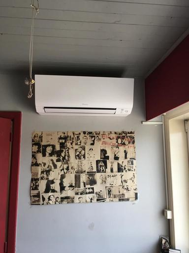 Realisatie Daikin comfora airco warmtepomp luchtlucht bestaande uit 1 buitenunit en 2 binnenunits te Genk
