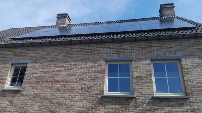 Realisatie 16 zonnepanelen Peimar 300 mono Full black met SMA omvormer SB3.0 te Geel