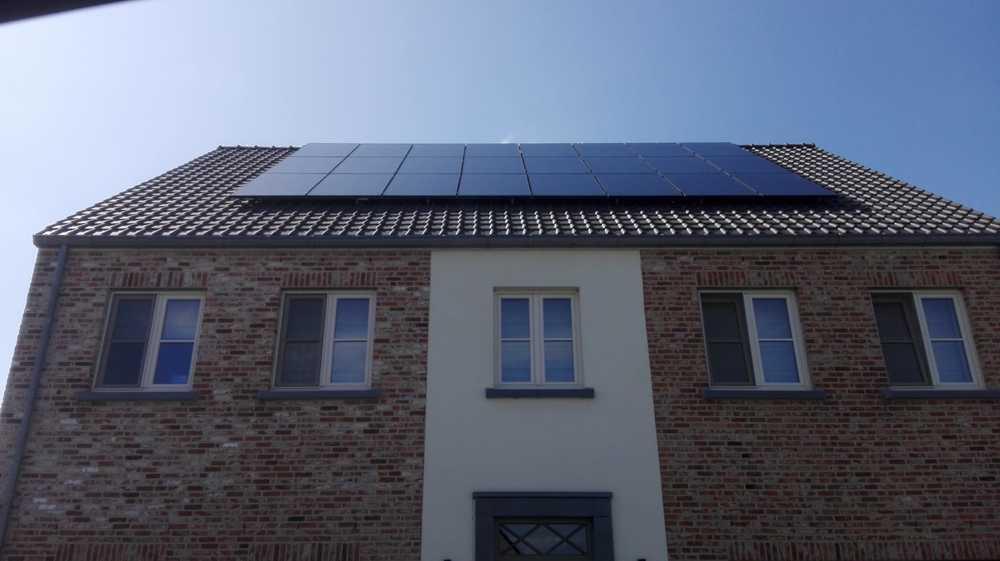 Realisatie 50 zonnepanelen Peimar 300 mono Full black met SMA omvormer STP10.0 te Lommel