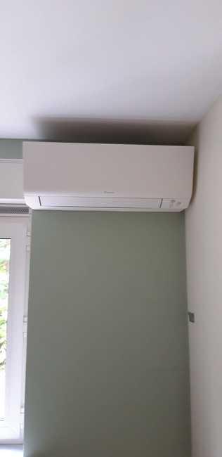 Realisatie Daikin Perfera + Emura aircowarmtepomp luchtlucht bestaande uit 2 binnenunits en 1 buitenunit te Mol