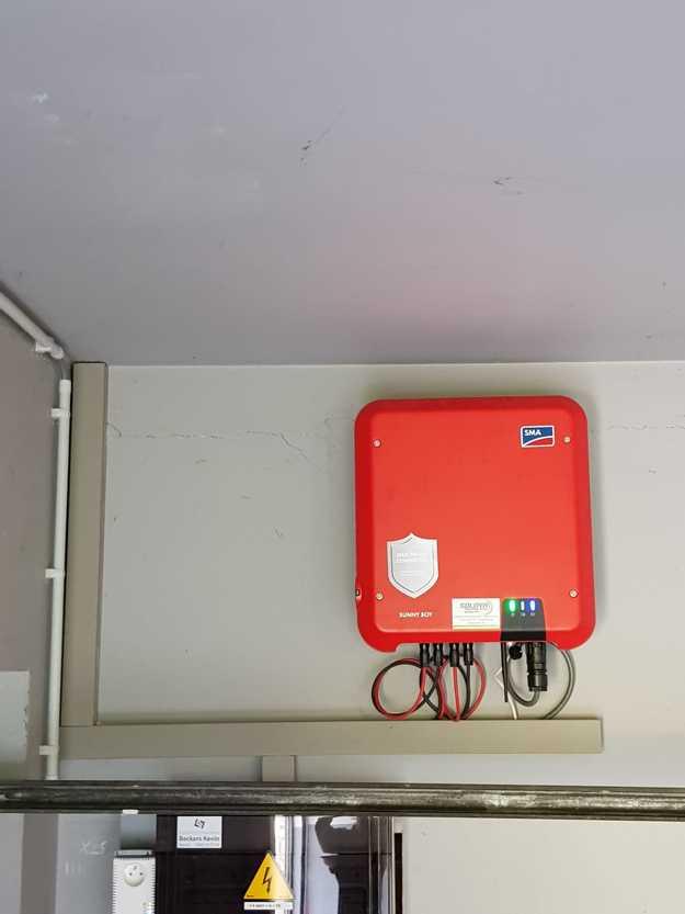Totaalproject Daikin aircowarmtepomp en 20 zonnepanelen Peimar 300 Wp Full Black met SMA Omvormer SB3.6 te Brecht