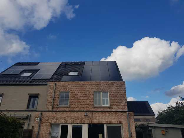 Realisatie 18x zonnepanelen Peimar 310 Wp Full Black met SMA omvormer SB36 te Lint