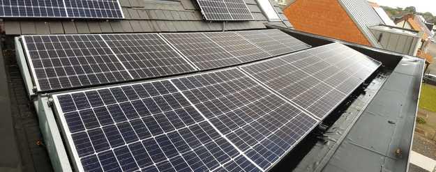 Realisatie 3 appartementen met REC 320 N-Peak en Solar Edge omvormers te Houthalen