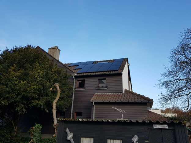 Realisatie 13 zonnepanelen REC 315 Wp Full Black met SMA omvormer SB2.5 te Heusden-Zolder