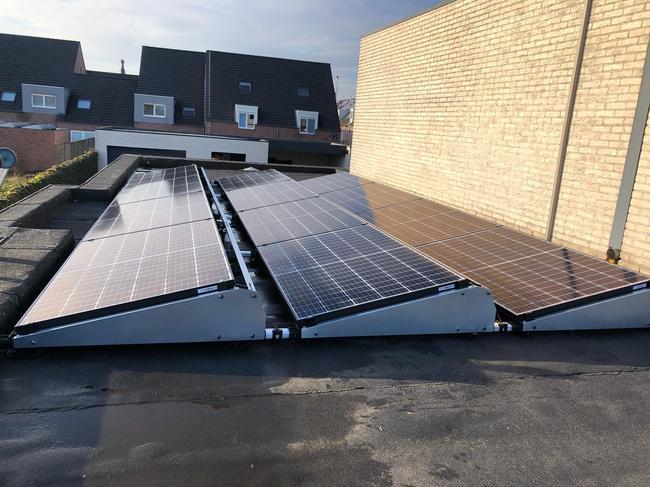 Realisatie 36x REC 325 zonnepanelen met omvormer STP80 te Baarle-Hertog