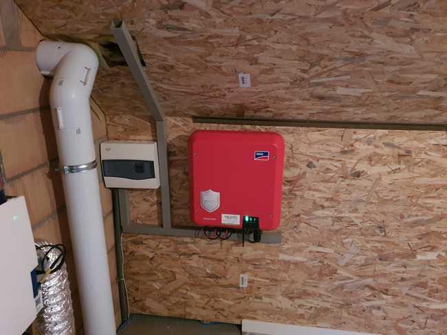 Realisatie 14x REC 315 zonnepanelen met SMA omvormer SB3.0 te Lommel