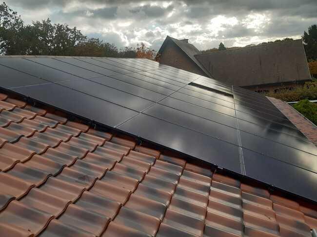 Realisatie 43x QCELLS zonnepanelen 335 FULL BLACK met SMA omvormer STP8.0 te Geel